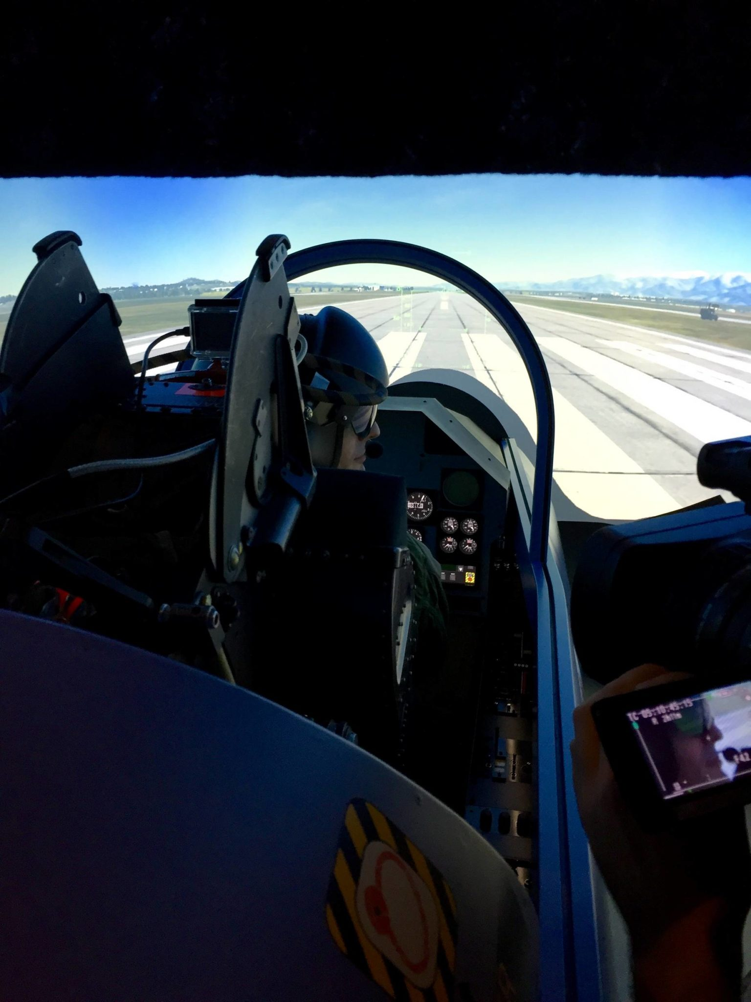 un nouveau simulateur d 39 avion de chasse chez skycenter. Black Bedroom Furniture Sets. Home Design Ideas