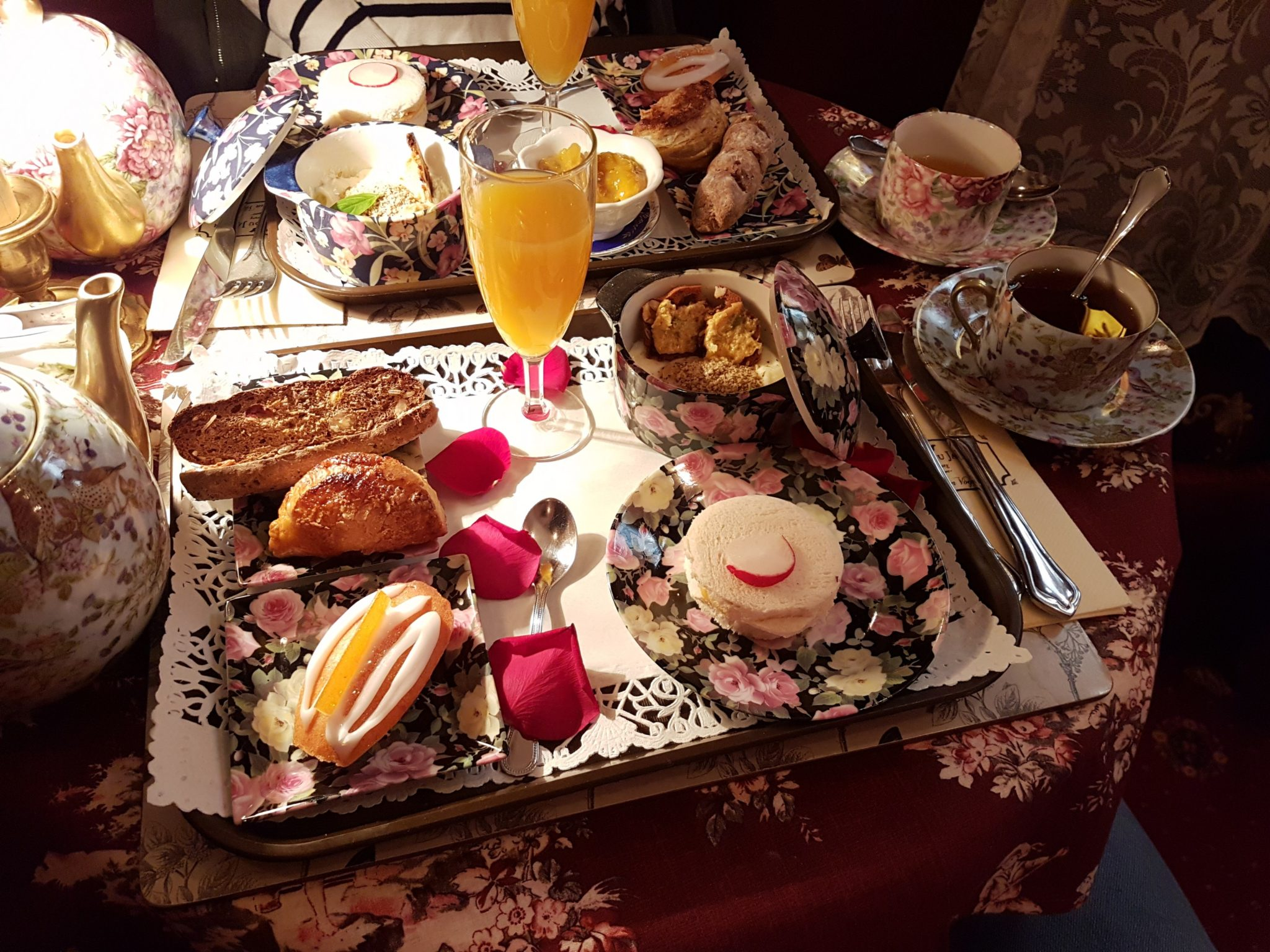 Kapoué Test n°126 Au Fond Du Jardin salon de thé raffiné