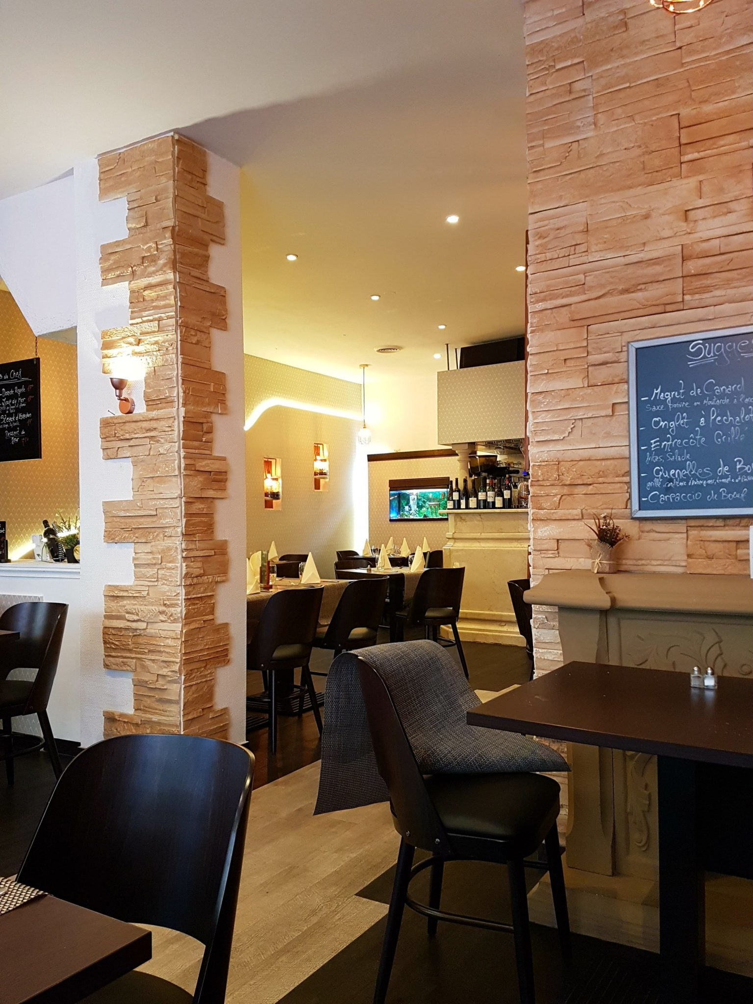 kapou test n 140 la baie des anges restaurant sauv par. Black Bedroom Furniture Sets. Home Design Ideas