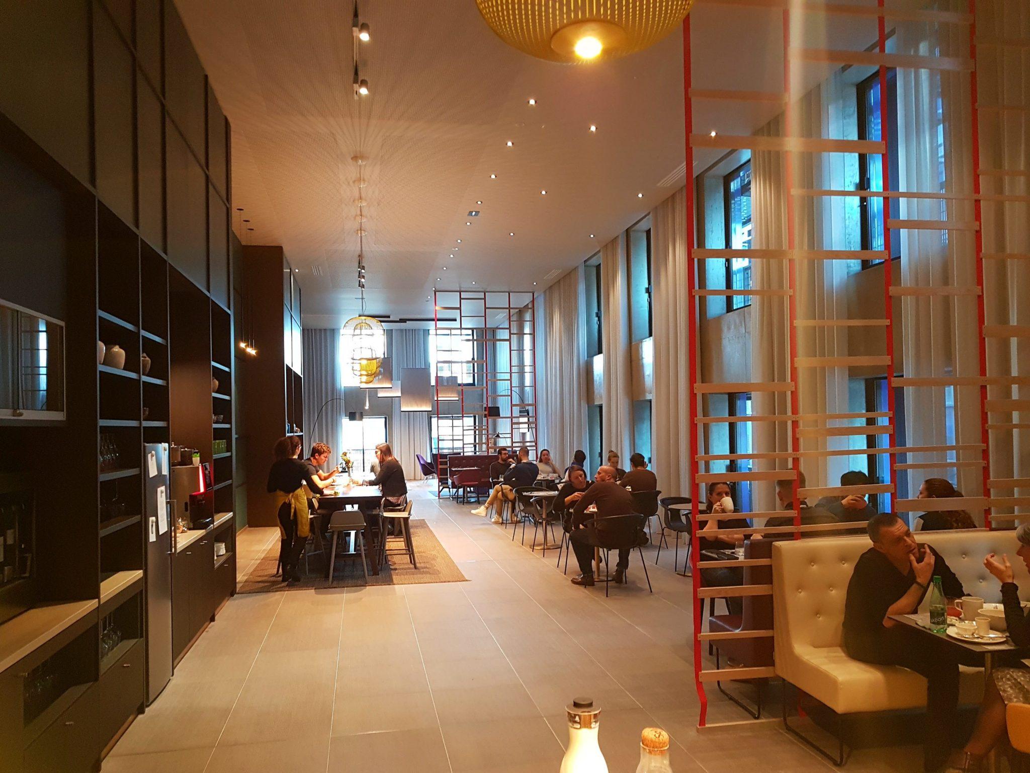 okko hotel strasbourg rivetoile black swan esplanade 3 blog kapou. Black Bedroom Furniture Sets. Home Design Ideas